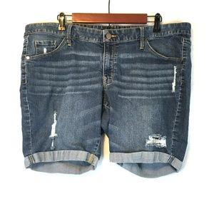 🔴 Midrise Bermuda Distressed Destructed Shorts 18